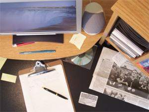 Рабочий стол в кабинете